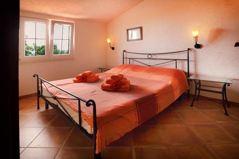 Dalmatinske kućice spavaća soba 1