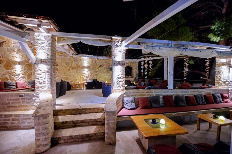 Beach Bar Terra nova terasa noć  2
