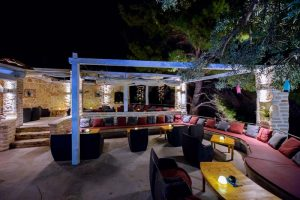 Beach Cocktail Bar Terra Nova Skalinada Hvar noć terasa