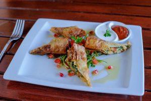 Restoran Skalinada Hvar hrana punjena riba